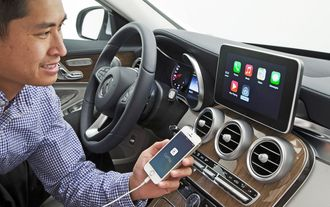 Mercedes-Benz - Apple CarPlay