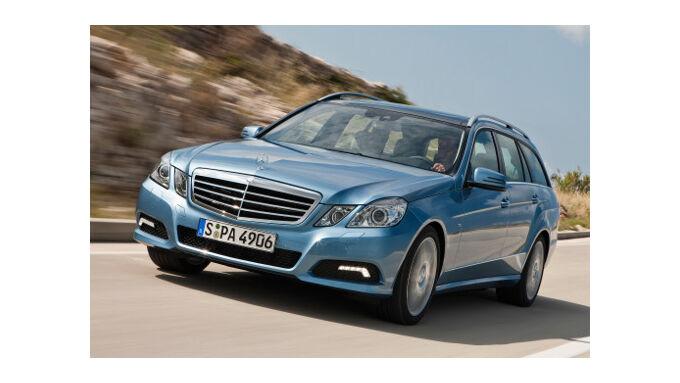 Mercedes bei Abgasreinigung vorne