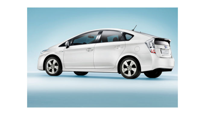 Toyota testet Plug-in-Hybrid