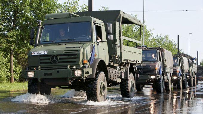 Bundeswehr, Militär, truppentransporter, unimog