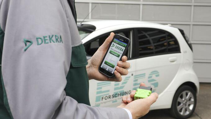DEKRA und FKFS stellen Neuentwicklung auf der Messe EVS30 vor