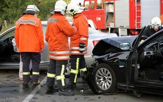 Feuerwehr bei Verkehrsunfall