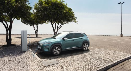 Hyundai Kona Elektro 2018, Elektroauto, E-Auto, Ladesäule