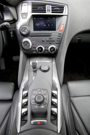 Modellcheck Citroën DS5, Mittelkonsole