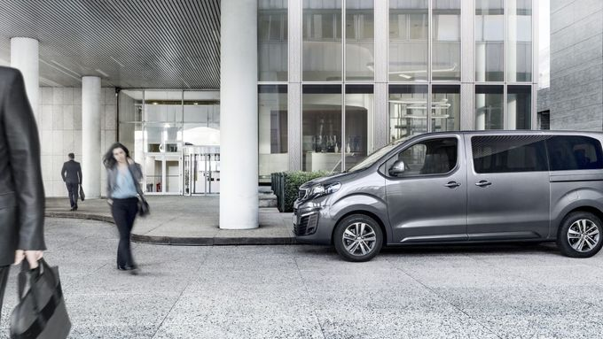 Peugeot Traveller Business gewerblich Reise