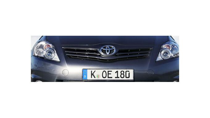 Toyota Auris - Kick durch Start-Stopp