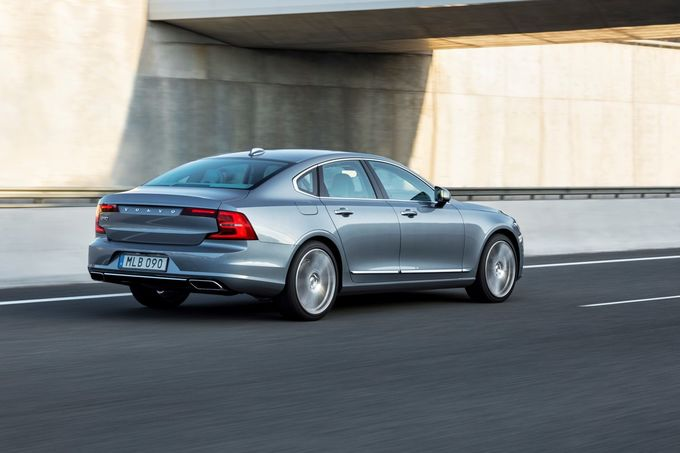 Volvo S90 T8 Twin Engine AWD 2016