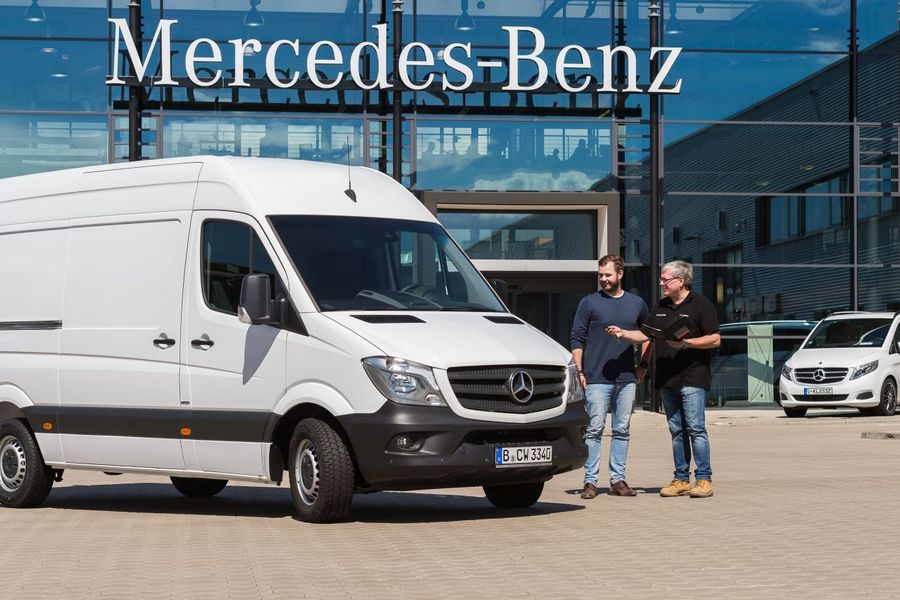 mercedes benz vans rental daimler startet transporter miete firmenauto. Black Bedroom Furniture Sets. Home Design Ideas